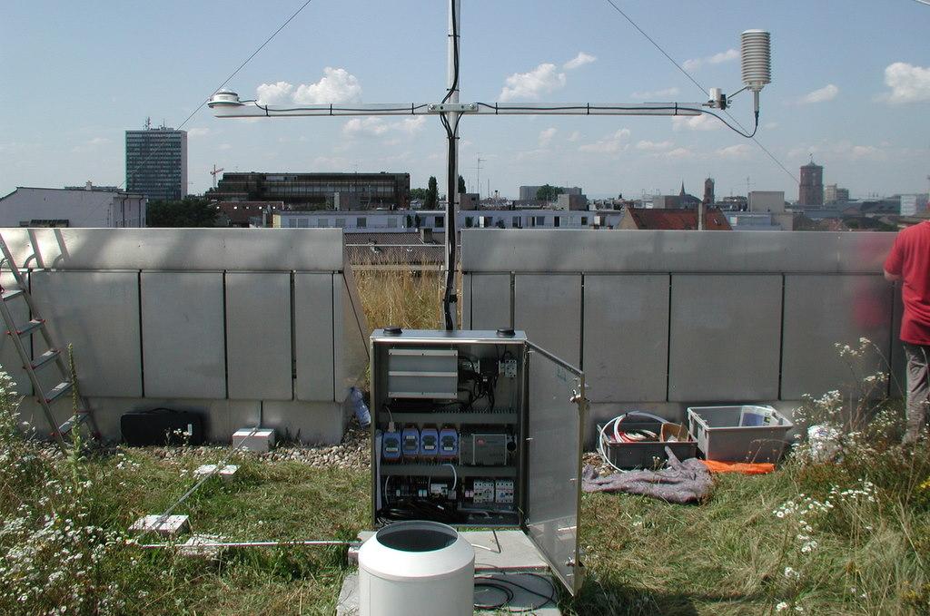 Aufbau der Wetterstation August 2009